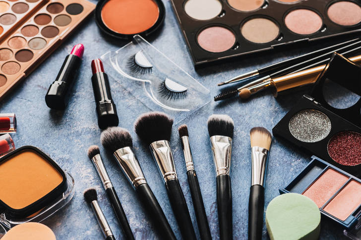 Makeup brushes and cosmetics