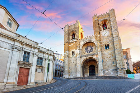 Lisbon Cathedral at sunset