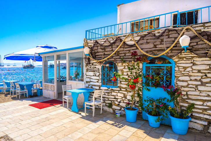 Restaurant by the sea in Bodrum