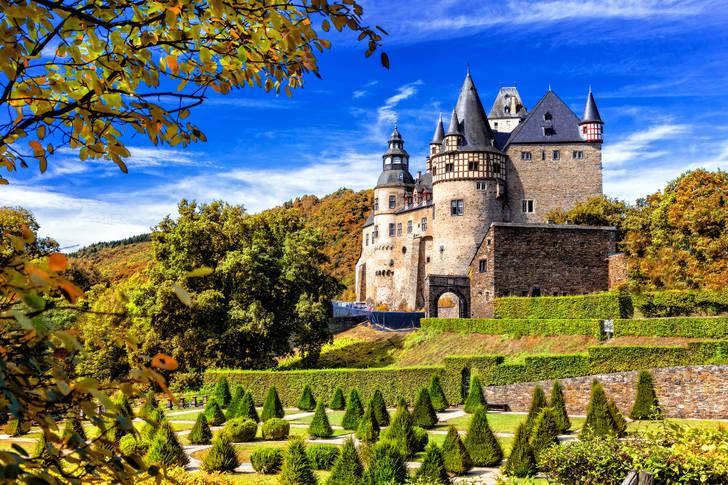 Castelul Burresheim Puzzle-uri (Țările, Germania)   Puzzle Garage