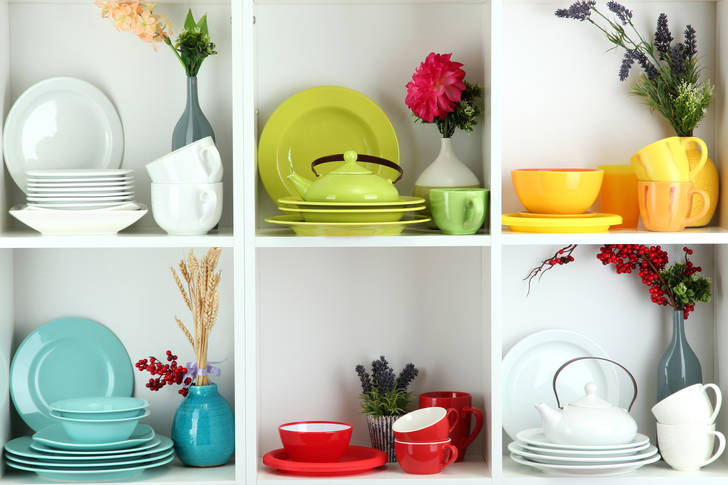 Dishes of different colors