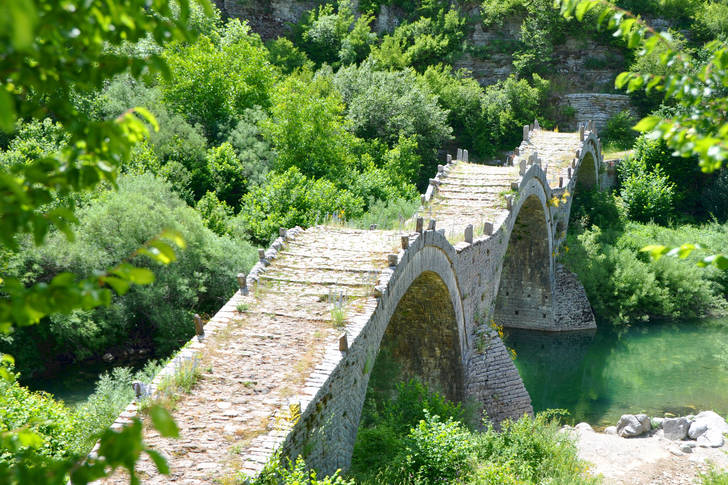 Three-arch bridge Kalogerico
