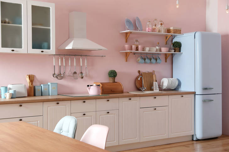 Stylish kitchen in pink